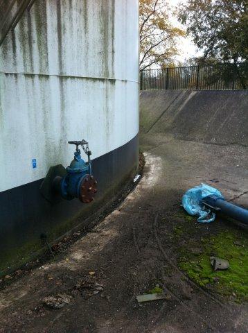 Vloeistofdicht afwerken tank terp aansluiting1